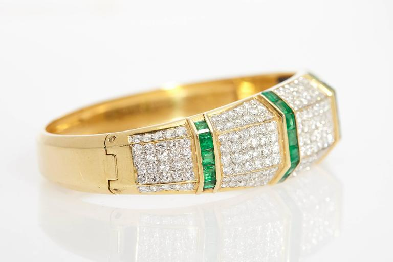 Emerald Diamond Bracelet  In Excellent Condition For Sale In New York, NY