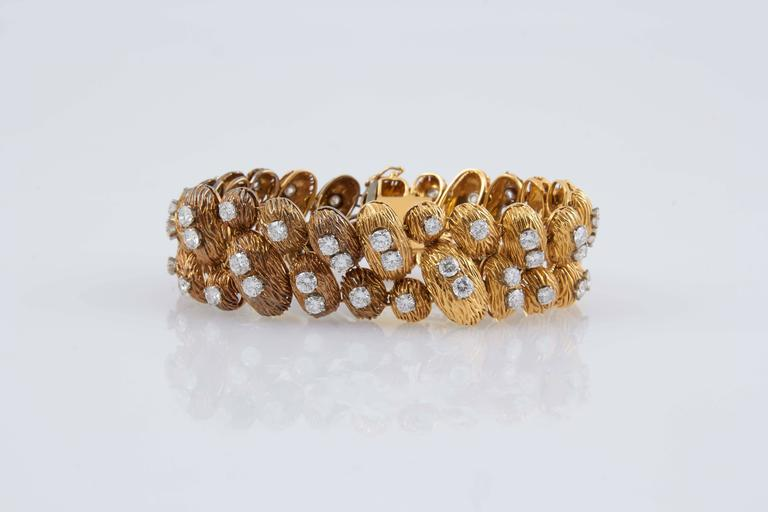 Van Cleef & Arpels Gold Diamond Bracelet For Sale 1