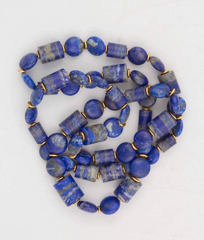 Lapis Lazuli Gold Necklace In Excellent Condition For Sale In Fifth Avenue, NY