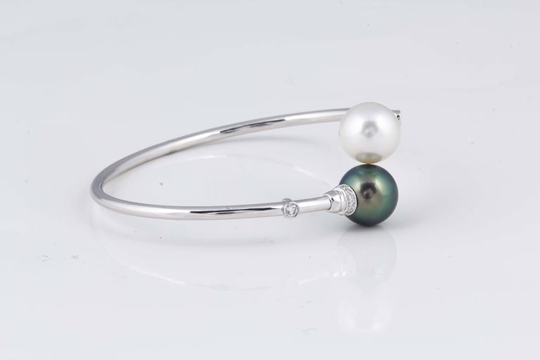 18 K White Gold South Sea Pearl 11-12 MM Tahitian Pearl 11-12 MM 16 Diamonds 0.20 Cts.  Weight 5 g