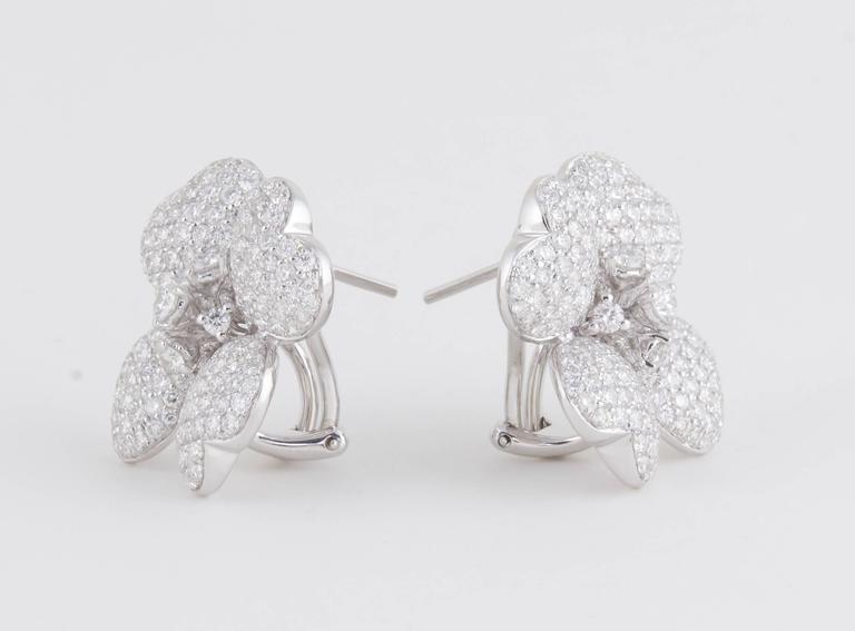 Women's Diamond White Gold Flower Earrings For Sale