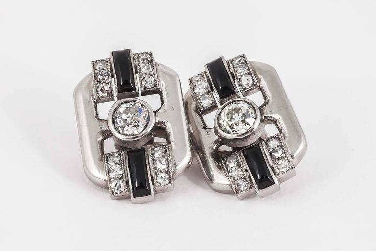 French Art Deco Onyx Diamond Platinum Cufflinks In Excellent Condition For Sale In London, GB