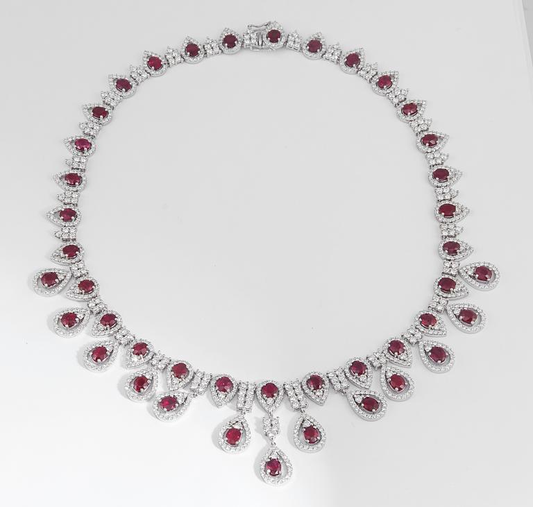 Ruby and Diamond Drop Necklace In New Condition For Sale In New York, NY