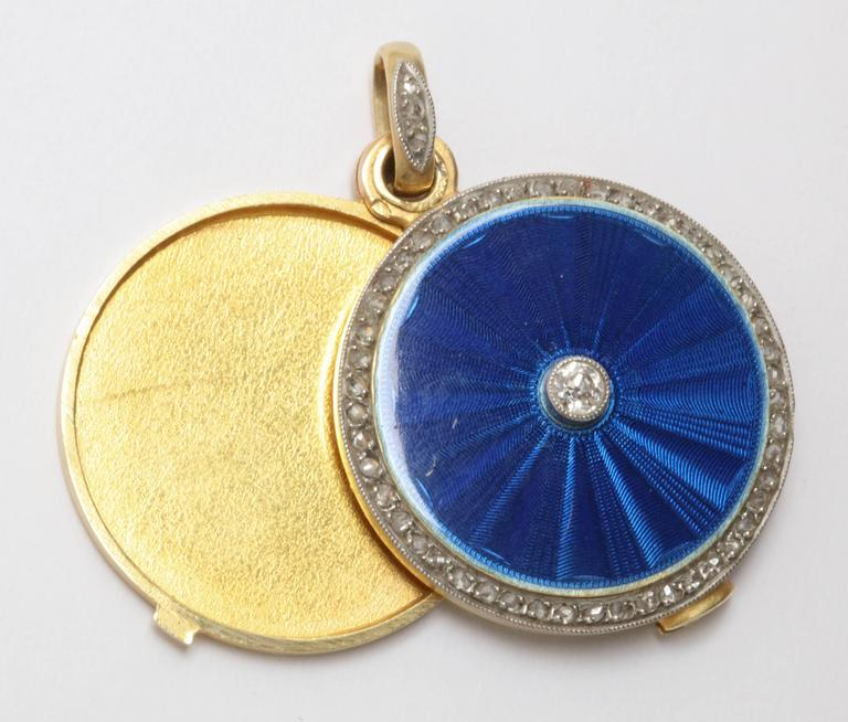 Edwardian Guilloche Blue Enamel with Rose Diamonds Chic Gold Slide Locket For Sale 1