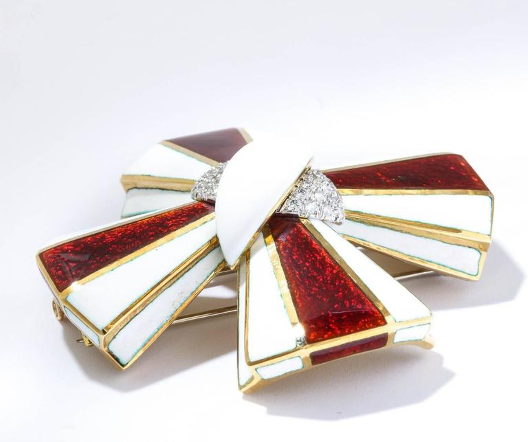 David Webb Maltese Cross Enamel Gold diamond Pin 4