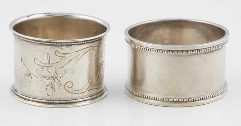 Two Russian Silver His and Hers Napkin Rings, circa 1908 In Good Condition For Sale In Lewiston, NY