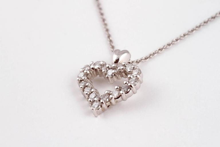 Women's Diamond Heart Pendant Platinum For Sale