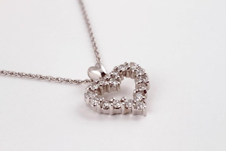 Diamond Heart Pendant Platinum For Sale 2