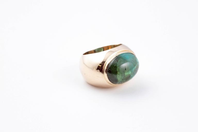Green Tourmaline Yellow Gold Ring In Good Condition For Sale In Dallas, TX