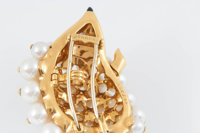 Women's Chanel Pearl Gold Porcupine Pin For Sale