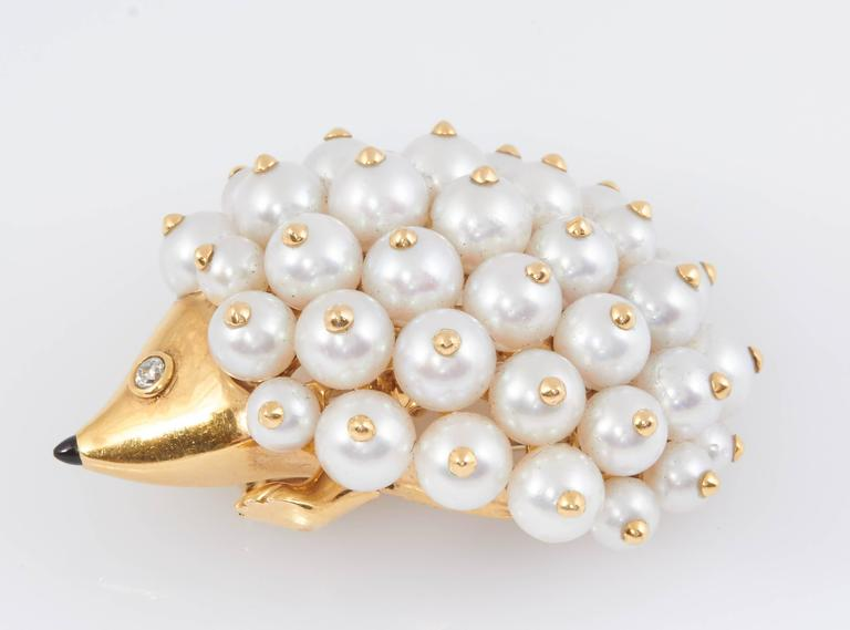 Chanel Pearl Gold Porcupine Pin For Sale 1