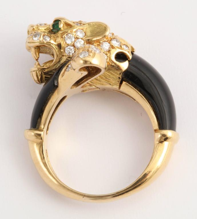 Black Onyx Gold and Diamond Lion Ring In Excellent Condition For Sale In New York, NY
