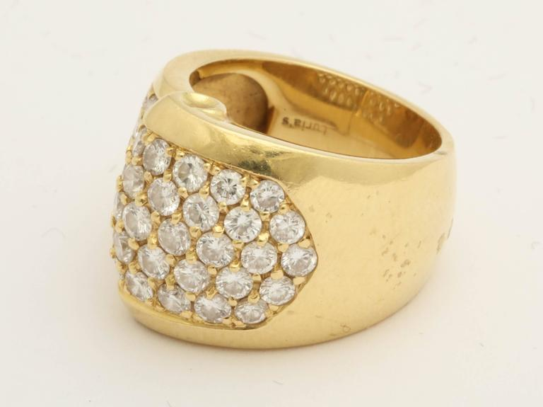 Women's or Men's 1980s Chic Architectural Diamond Gold Cocktail Ring For Sale