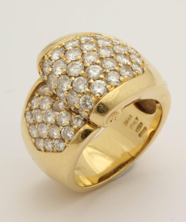 1980s Chic Architectural Diamond Gold Cocktail Ring For Sale 2