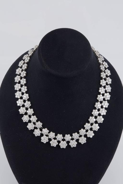 Gorgeous Diamond Platinum Cluster Flower Necklace In Excellent Condition For Sale In New York, NY