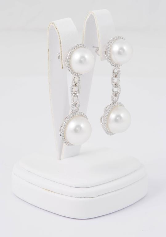 Contemporary South Sea Pearl and Diamond Dangle Link Earrings For Sale
