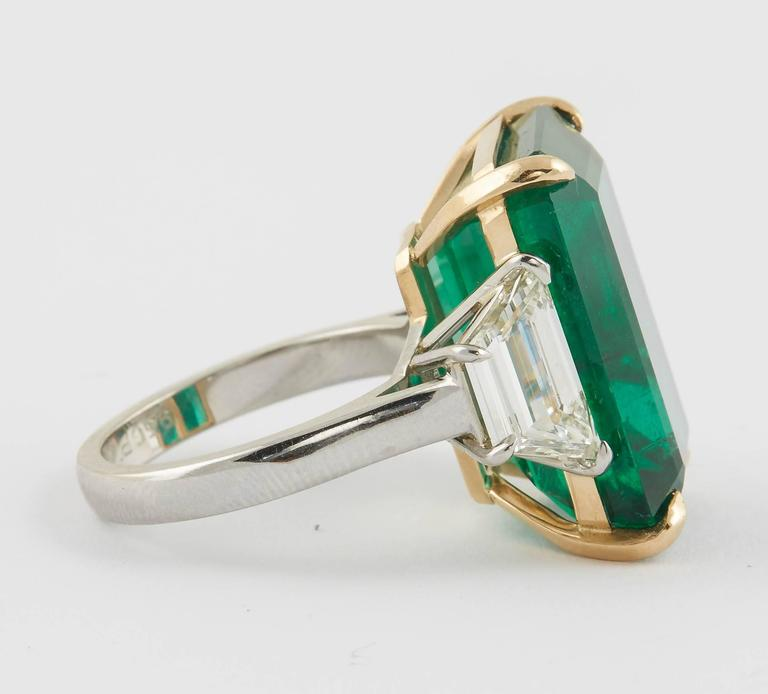 Women's or Men's GIA Certified 18.83 Green Emerald and Diamond Ring For Sale