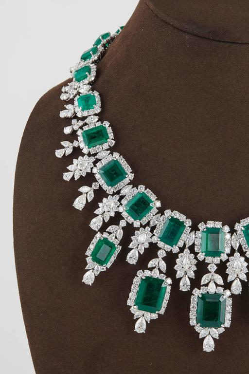 Women's Important Emerald and Diamond Drop Necklace For Sale