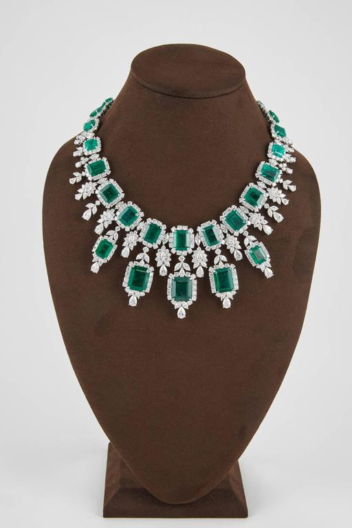 Important Emerald and Diamond Drop Necklace For Sale 1