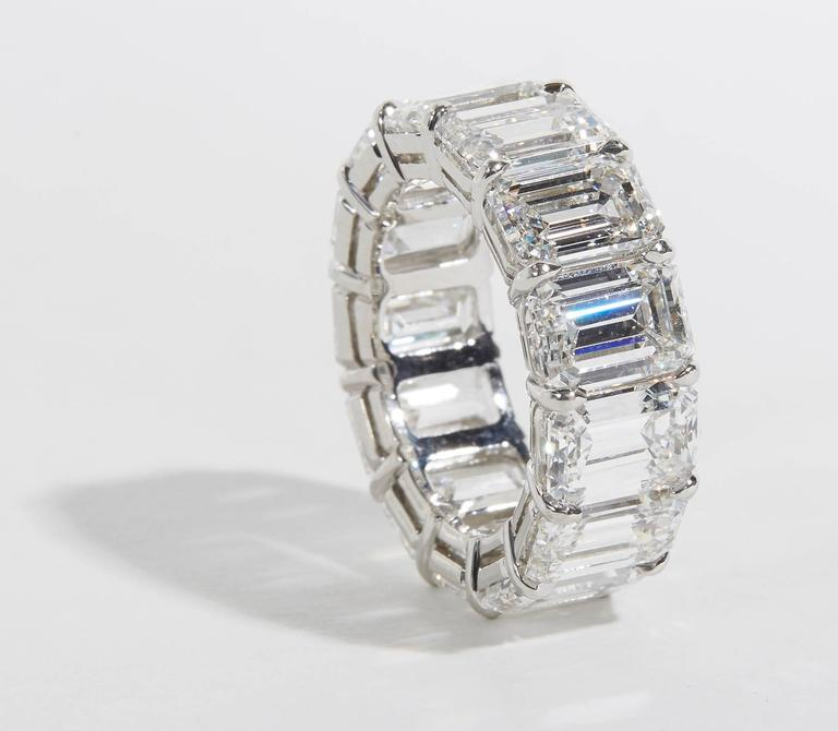Important GIA Emerald Cut Diamond Eternity Band In As new Condition For Sale In New York, NY