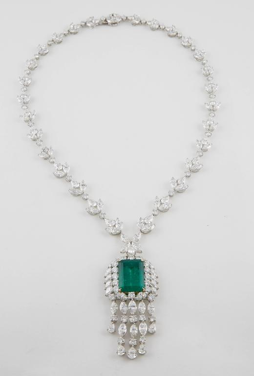Important GIA Colombian Emerald and Diamond Necklace For Sale 1