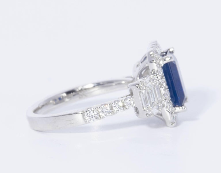 Contemporary HARBOR D. Diamond Sapphire Cocktail Engagement Ring 3.31 Carats For Sale