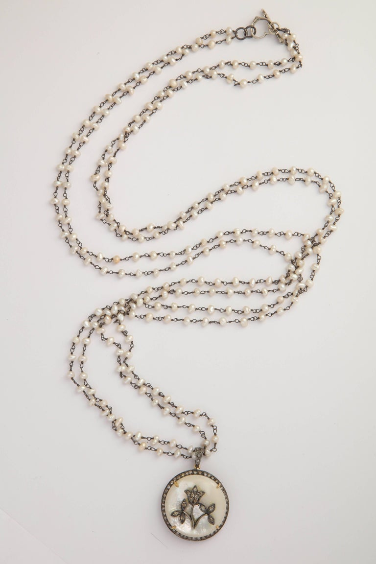 Mother-of-Pearl Silver Diamond Pearl Chain Necklace For Sale 3