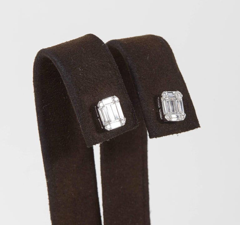 Emerald Cut Diamond Illusion Stud Earrings In New Condition For Sale In New York, NY