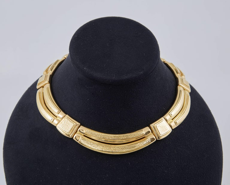 David Webb Gold Collar Necklace In Excellent Condition For Sale In New York, NY