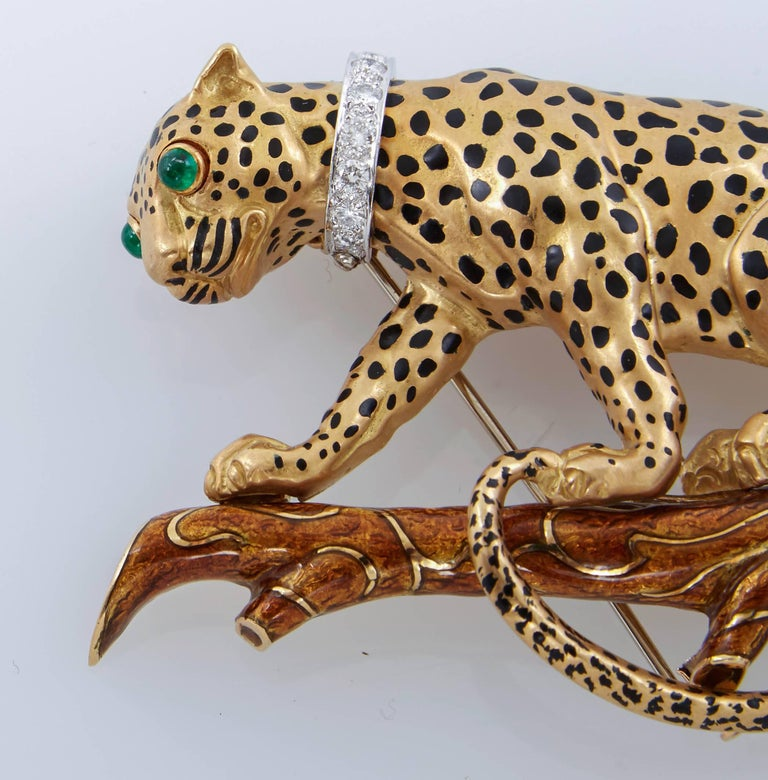 David Webb Leopard On Branch Enamel Gold Brooch In Excellent Condition For Sale In New York, NY