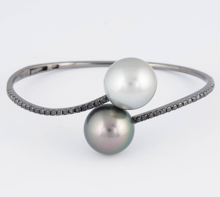 Contemporary Tahitian Pearl Black Diamond Bangle Bracelet 1 Carat 18K White Gold For Sale