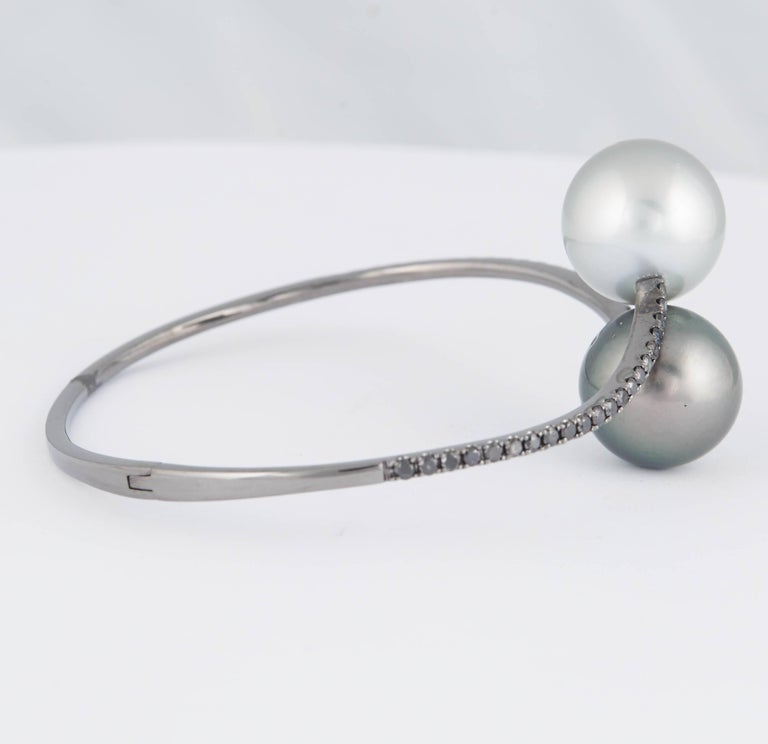 Women's Tahitian Pearl Black Diamond Bangle Bracelet 1 Carat 18K White Gold For Sale