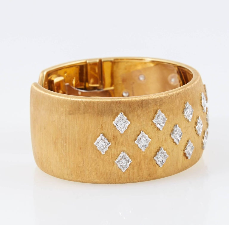 Mario Buccellati Diamond Gold Cuff Bracelet 4