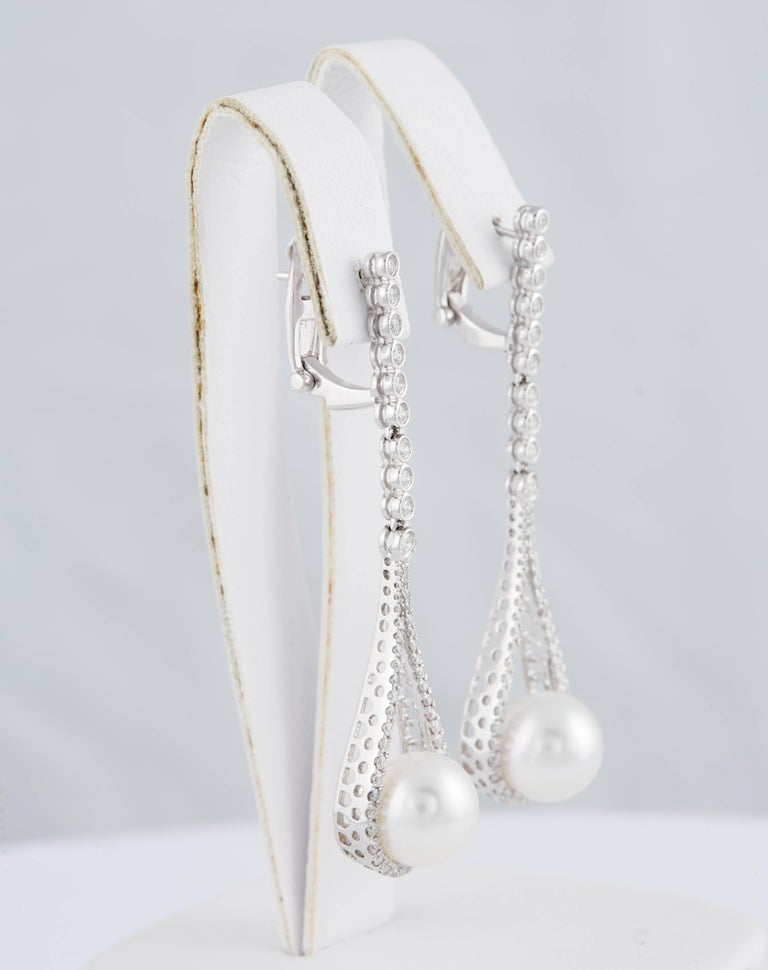 Contemporary South Sea Pearl and Diamond Hanging Drop Dangling Long Earrings For Sale