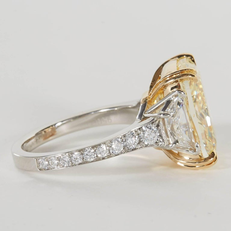 10 carat Fancy Yellow GIA Diamond Ring For Sale 1