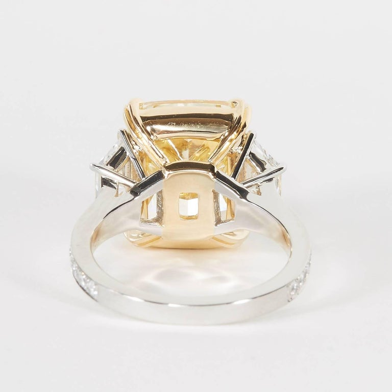 10 carat Fancy Yellow GIA Diamond Ring For Sale 2