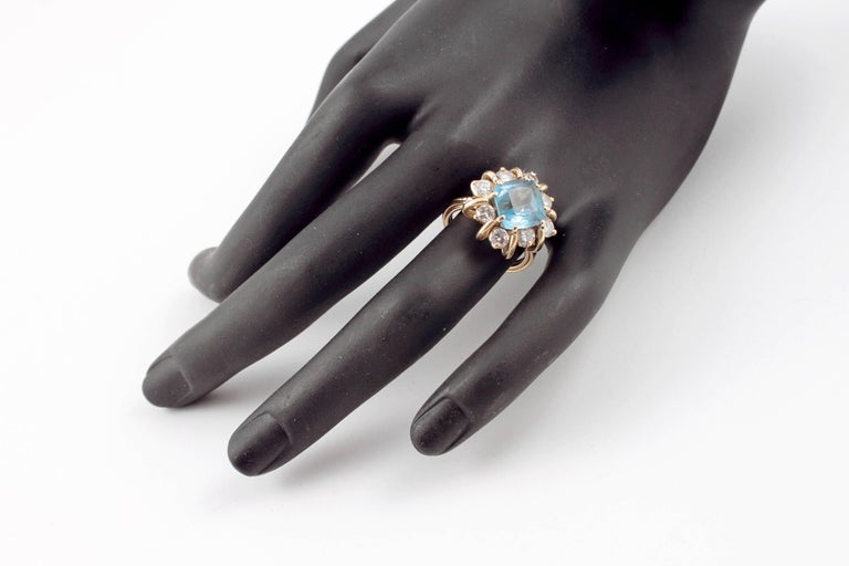 Women's Fabulous 3.00 Carat Aquamarine 1.30 Carat Diamond Ring For Sale