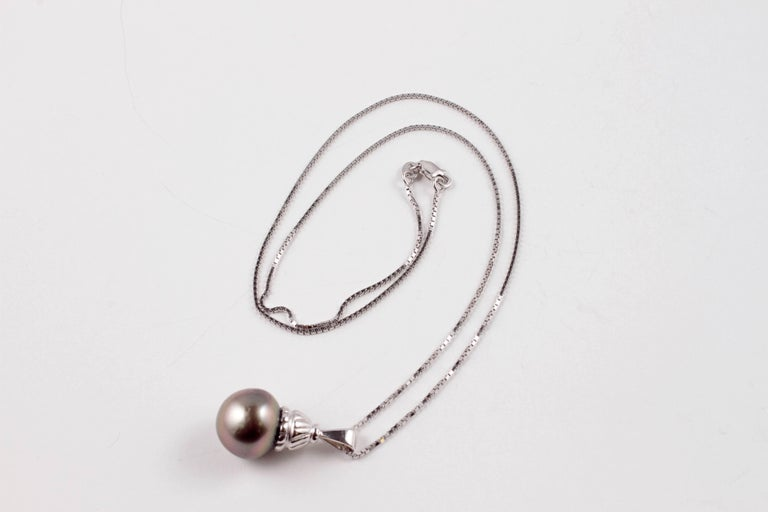 Natural Color Tahitian Cultured Pearl White Gold Necklace For Sale 3