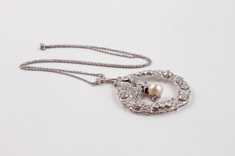 Edwardian 3.20 Carat Diamond Pearl Necklace For Sale 2