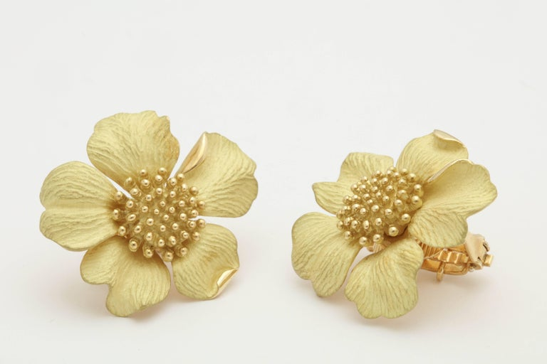 1980s Tiffany & Co. Large Figural Cherry Blossom Flower Matte Gold Earrings For Sale 1