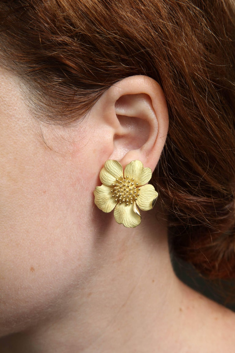 1980s Tiffany & Co. Large Figural Cherry Blossom Flower Matte Gold Earrings For Sale 3