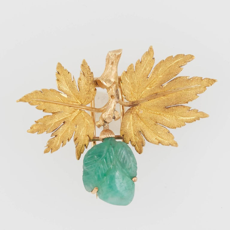 Buccellati Gold and Carved Emerald Brooch In Excellent Condition For Sale In New York, NY