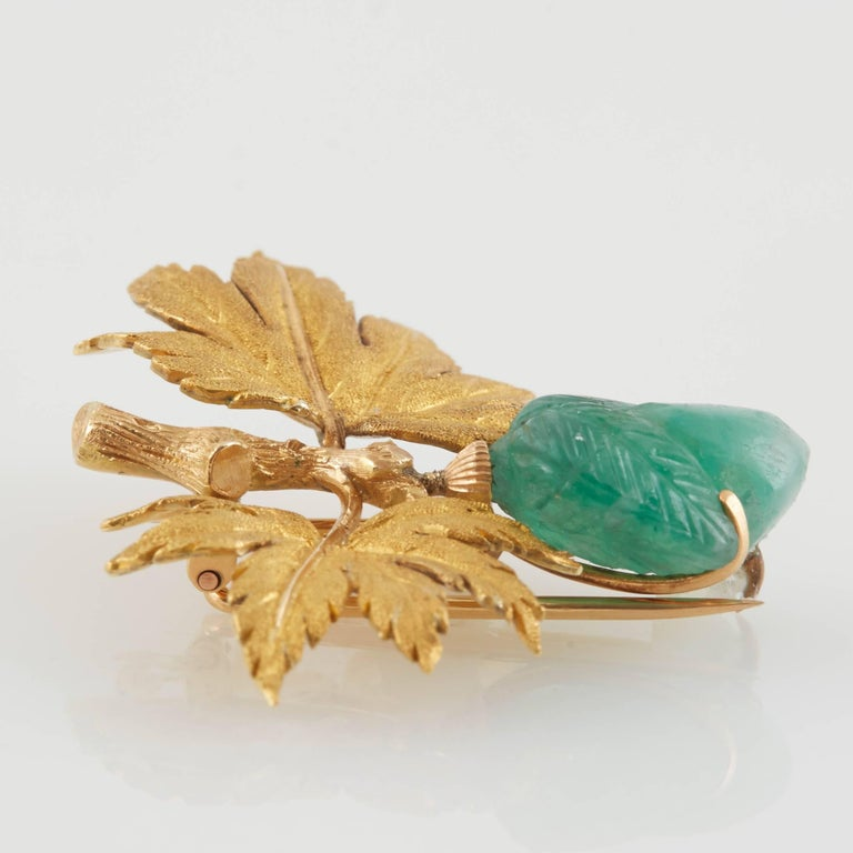 Buccellati Gold and Carved Emerald Brooch For Sale 3