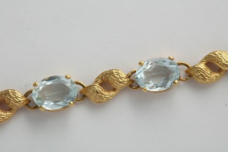ba9a1014d Alternating Floral Gold Leaf and Faceted Aquamarine Necklace For Sale 3