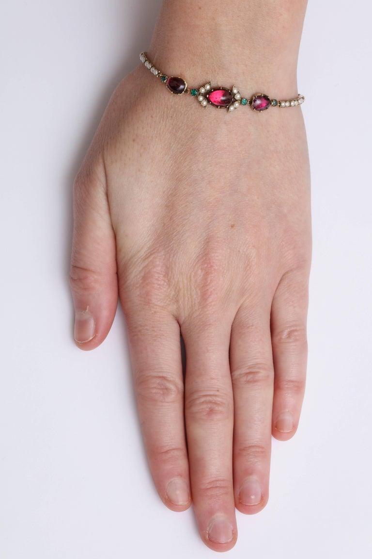 Victorian Hunt and Roskell Garnet Emerald Seed Pearl Bracelet Original Box For Sale 5