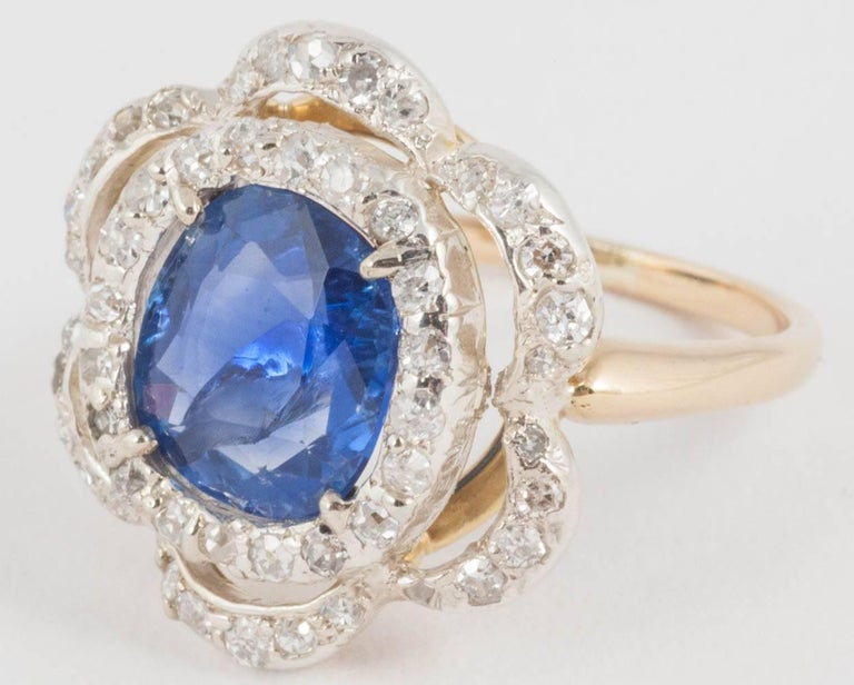 Women's Natural Ceylon Sapphire and Diamond Ring For Sale