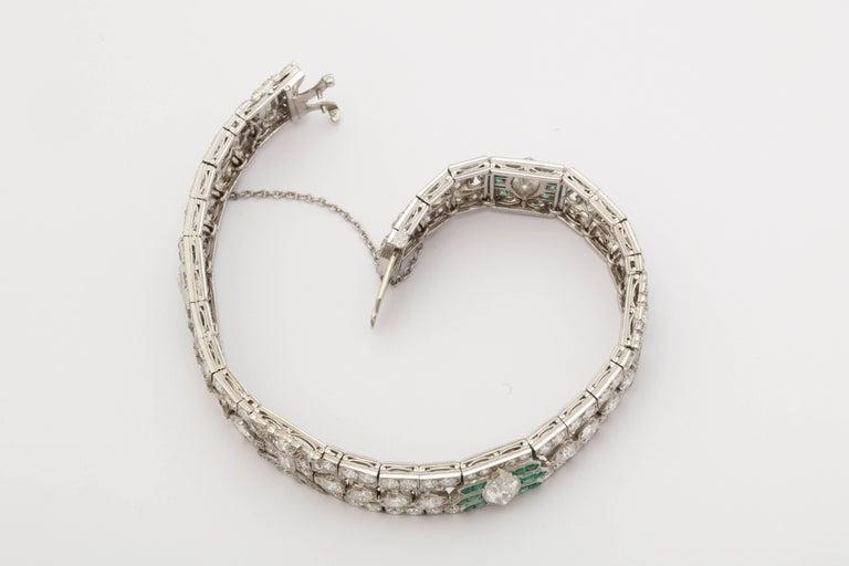 Important Art Deco Flexible Diamond with Emerald Accent Dressy Platinum Bracelet For Sale 1