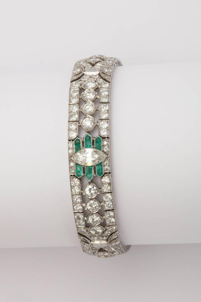 Important Art Deco Flexible Diamond with Emerald Accent Dressy Platinum Bracelet For Sale 2