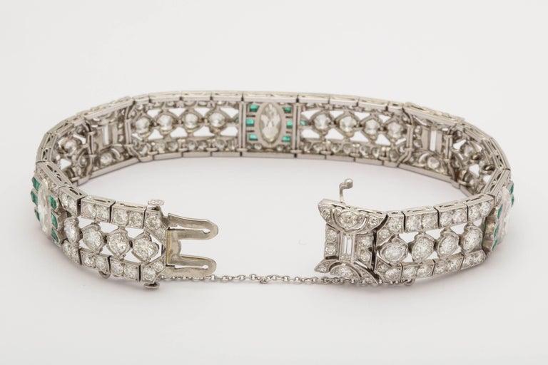 Important Art Deco Flexible Diamond with Emerald Accent Dressy Platinum Bracelet For Sale 3