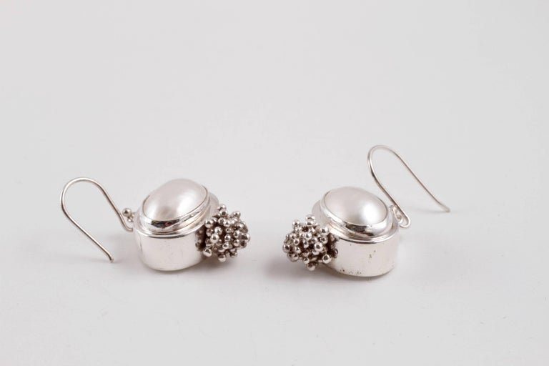Michael Dawkins Sterling Silver Pearl Earrings In Good Condition For Dallas